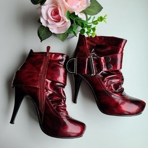 👠 Red Ankle Booties